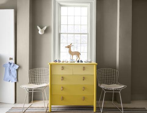 How to Paint Indoor Furniture